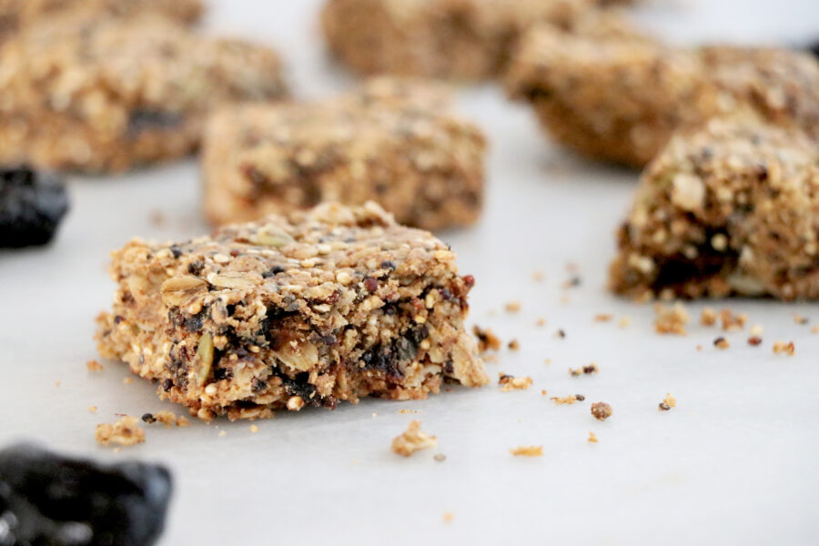 Bars filled with prunes, chia and quinoa.